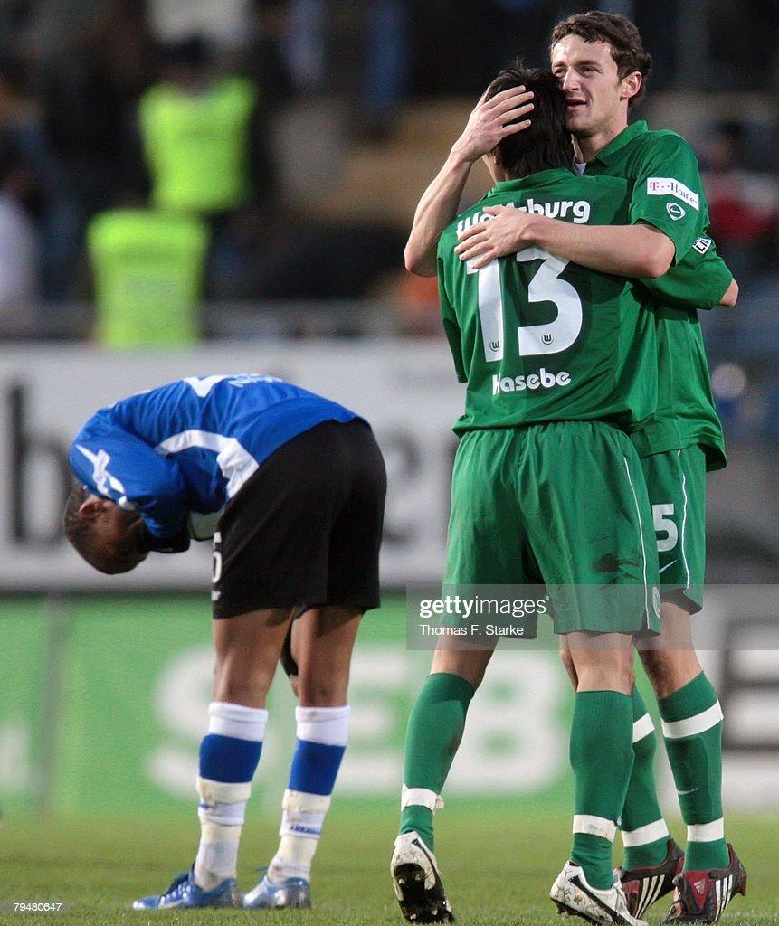 Arminia Bielefeld v VfL Wolfsburg - Bundesliga : ニュース写真