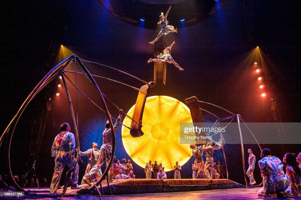 "Dress Rehearsal For Cirque du Soleil's ""Luzia"" : Foto di attualità"