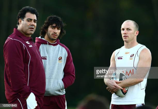 Mal Meninga Johnathan Thurston and Darren Lockyer of the Maroons chat during a Queensland Maroons Origin training session at the Hyatt Resort Coolum...