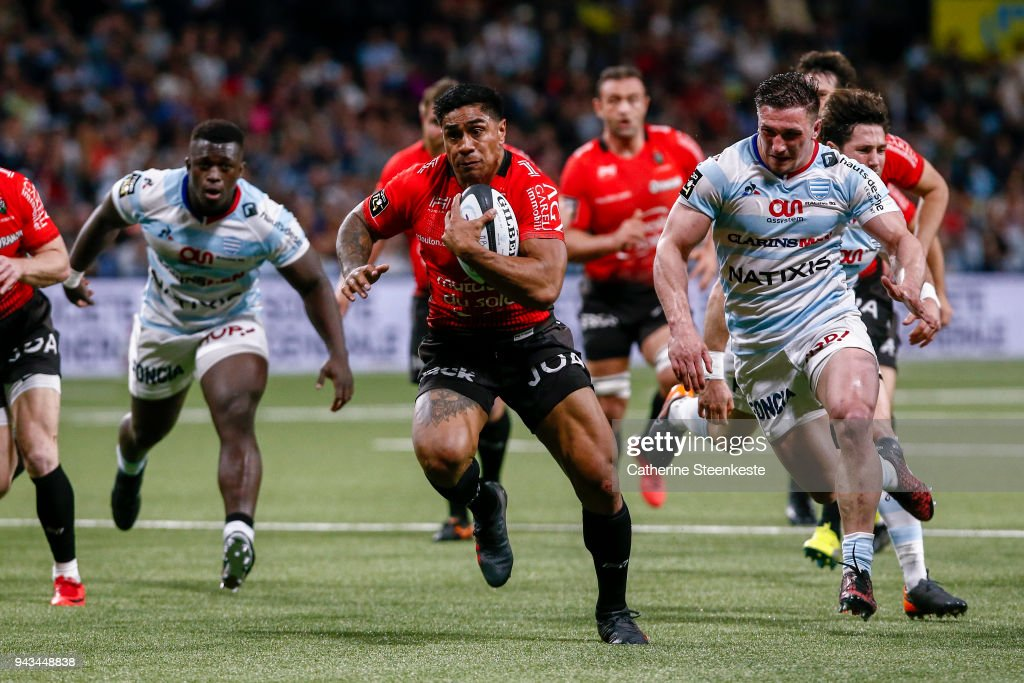 Malakai Fekitoa #13 of RC Toulon is runs towards a try during the French Top 14 match between Racing 92 and RC Toulon at U Arena on April 8, 2018 in Nanterre, France.