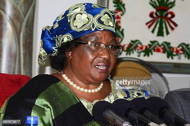 Malawi President Joyce Banda speaks during a press conference dedicated to the ongoing national Tripartite Elections at Kamuzu Palace in the capital...