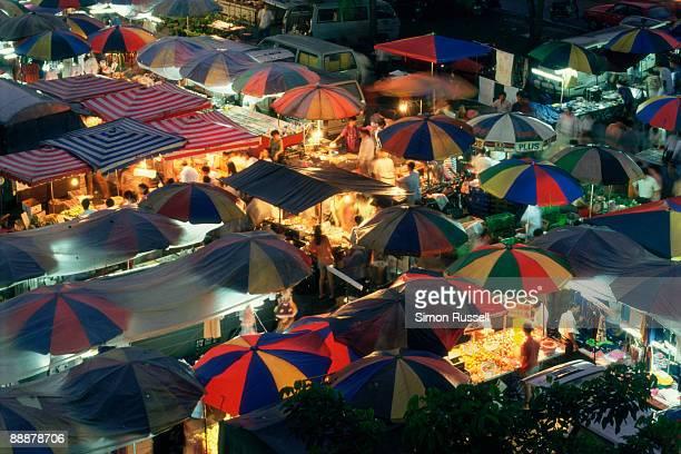 malaysian night market - kuala lumpur stock pictures, royalty-free photos & images