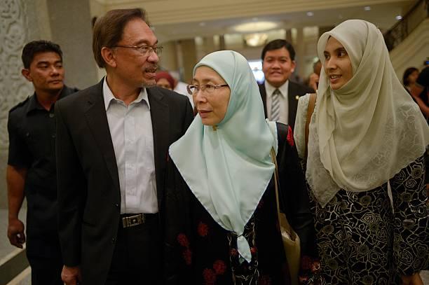 Image result for Anwar, wan azizah and nurul izzah