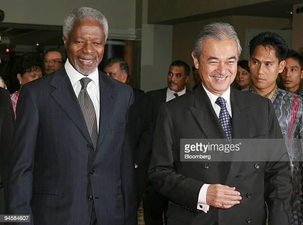 Malaysian Prime Minister Abdullah Ahmad Badawi right and Kofi Annan former UN Secretary General arrive at the Khazanah Nasional Berhad Global...