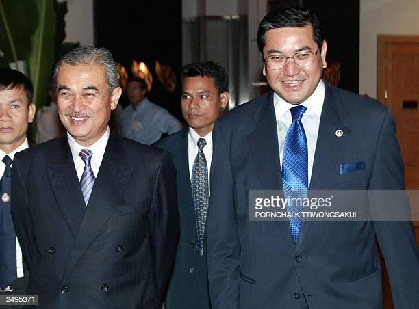 Malaysia's Deputy Prime Minister Abdullah Ahmad Badawi walks with Thai Foreign Minister Surakiart Sathirathai at a Hotel in Bangkok 09 September 2003...