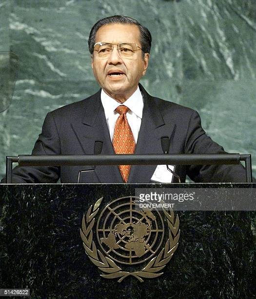 Malaysia's Prime Minister Mahathir Mohamad addresses the 54th session of the United Nations General Assembly 29 September 1999 at UN Headquarters in...