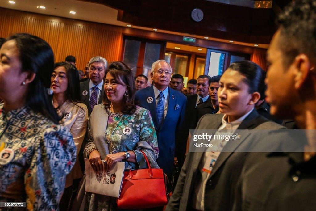 Malaysia's Prime Minister Najib Razak (C) attends an event in Kuala Lumpur on March 13, 2017.