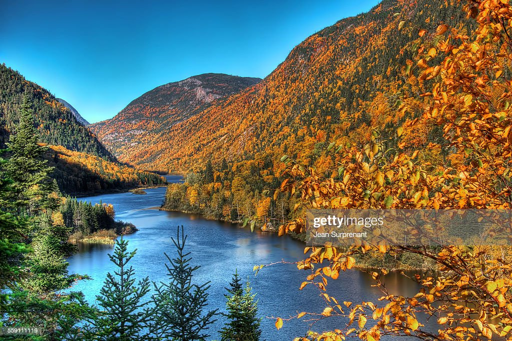 Malbaie's river in autumn : Stock Photo