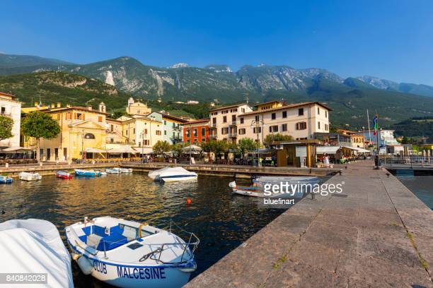 malcesine harbour - malcesine stock pictures, royalty-free photos & images