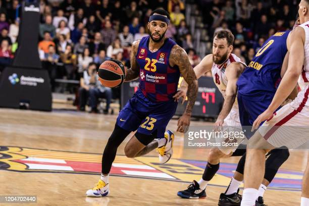 Malcolm Delaney of FC Barcelona competes with Sergio Rodriguez of Milan during the Turkish Airlines EuroLeague basketball match played between FC...