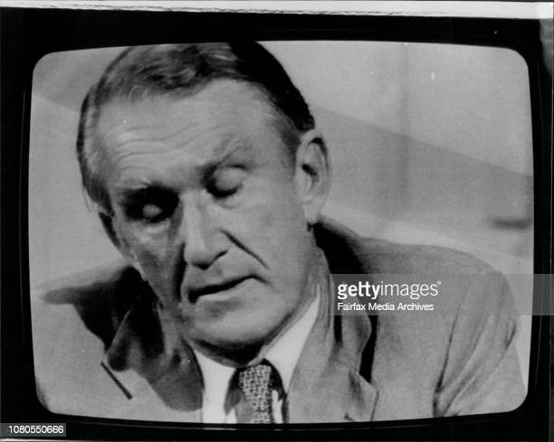 Malcolm Fraser faces the press on ABC TV's Four CornersMalcolm Fraser February 27 1983
