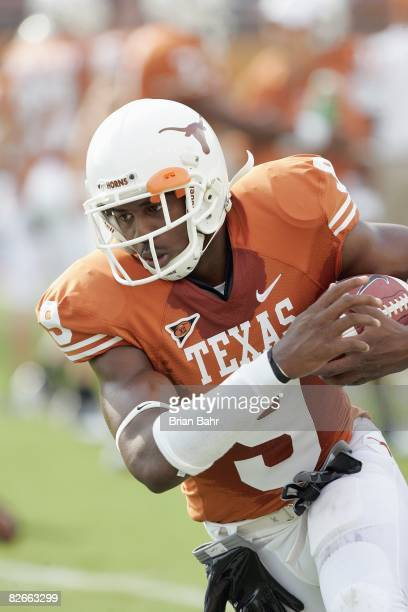 Malcolm Williams of the Texas Longhorns warms up before the game against the Florida Atlantic Owls on August 30 2007 at Darrell K RoyalTexas Memorial...