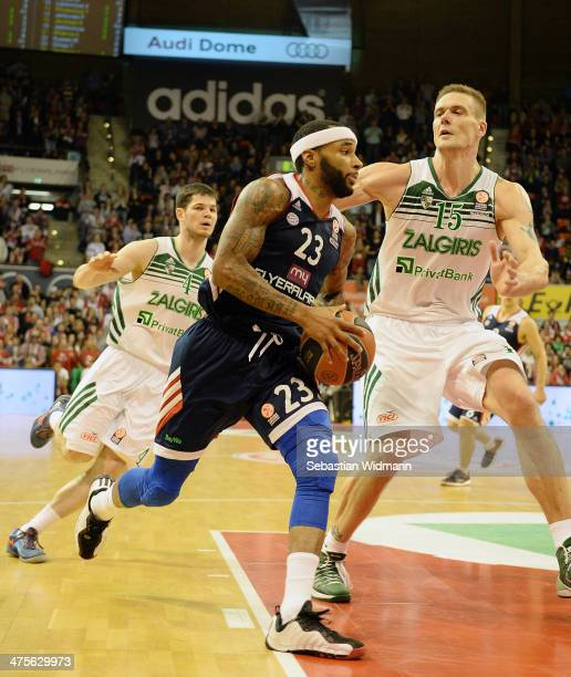 Malcom Delaney #23 of FC Bayern Munich in action during the 20132014 Turkish Airlines Euroleague Top 16 Date 8 game between FC Bayern Munich v...