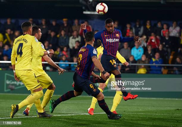 Malcom of Barcelona scores his team's second goal during the La Liga match between Villarreal CF and FC Barcelona at Estadio de la Ceramica on April...