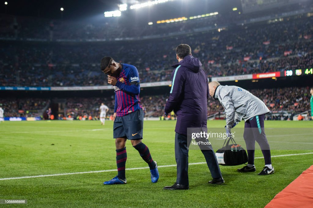 14 Malcom Of Fc Barcelona Leaving The Field With An Injury On His News Photo Getty Images