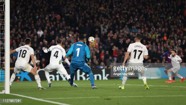 Malcom of FC Barcelona scores his team's first goal during the Copa del Semi Final first leg match between Barcelona and Real Madrid at Nou Camp on...