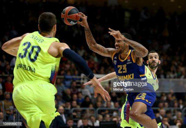 Malcom Thomas #23 of Khimki Moscow Region competes with Pau Ribas #5 of FC Barcelona Lassa in action during the 2018/2019 Turkish Airlines EuroLeague...