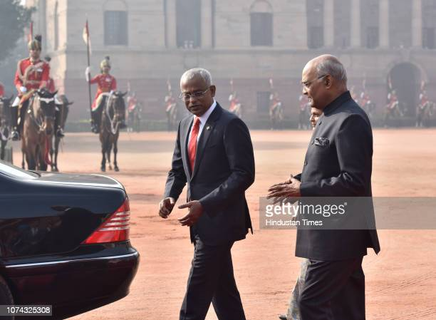 Maldivan President Ibrahim Mohamed Solih with his counterpart Ram Nath Kovind during Solih's ceremonial reception at Rashtrapati Bhawan on December...