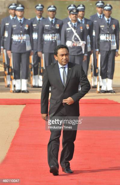 Maldivian President Yameen Abdul Gayoom inspects a guard of honor during his ceremonial reception at the forecourt of Rashtrapati Bhawan on January 2...