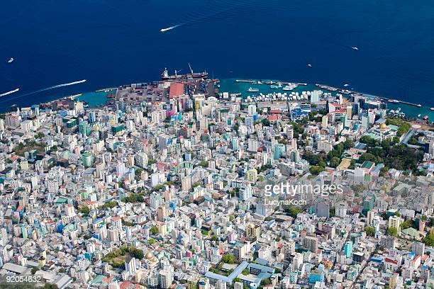 male aus der vogelperspektive - male maldives stock pictures, royalty-free photos & images