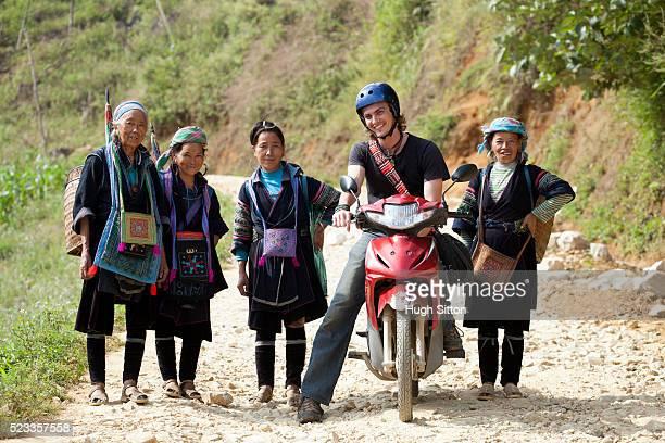 male european tourist travelling through sapa. vietnam - hugh sitton fotografías e imágenes de stock