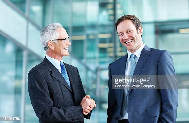 Männliche Manager talking business
