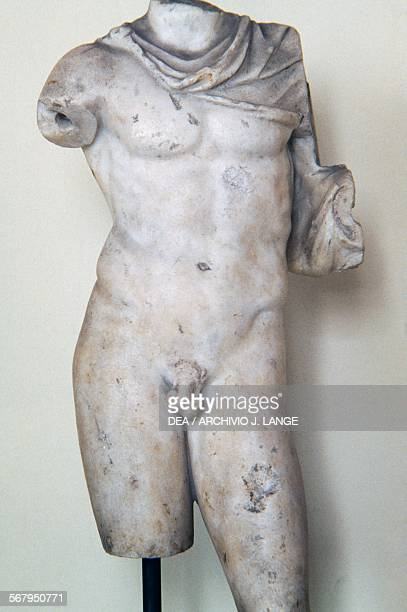 Male figure Roman statue from a Greek original Roman civilisation Taranto Museo Archeologico Nazionale