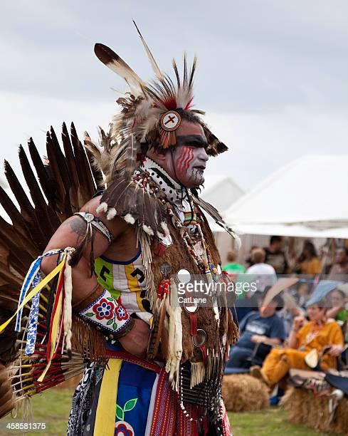 Männliche Tribal-Tänzer
