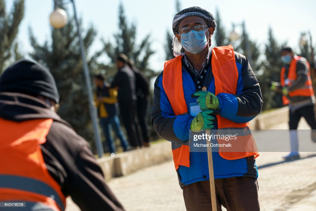 A male worker takes part in german development aid