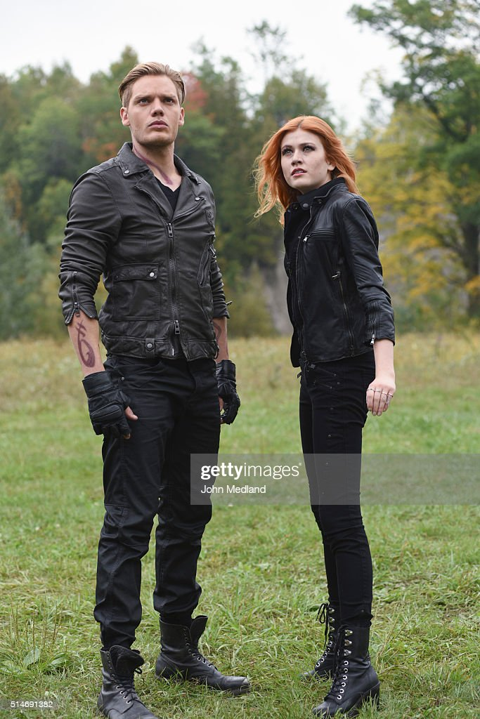 HUNTERS - 'Malec' - On the eve of Alec and Lydias wedding relationships are being examined in Malec, an all-new episode of Shadowhunters, airing TUESDAY, MARCH 29 (9:00 10:00 p.m., EST) on Freeform, the new name for ABC Family. DOMINIC