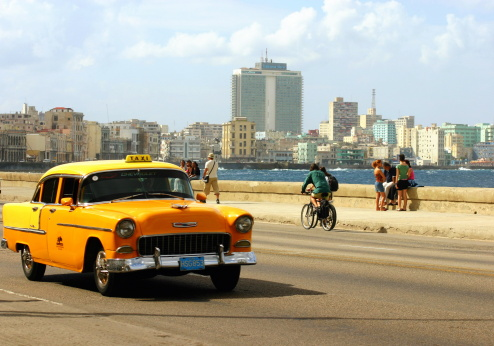 Malecon Taxi - gettyimageskorea