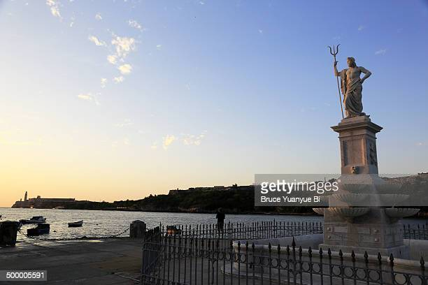 malecon with waterway and morro castle - neptune roman god stock pictures, royalty-free photos & images