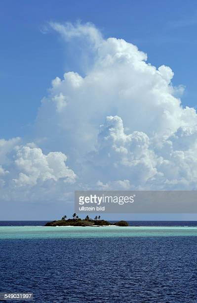 Malediven, einsame Insel im Ari Atoll