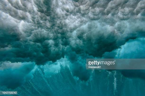 maledives, ocean, underwater shot, wave - ola fotografías e imágenes de stock