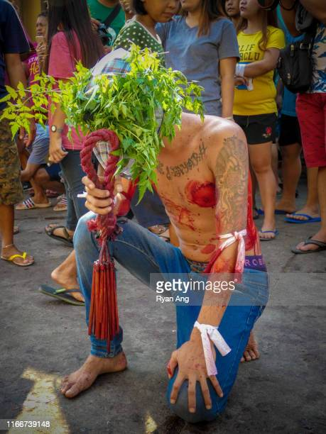 maleldo flagellation holy week rites-holy thursday - thursday stock pictures, royalty-free photos & images
