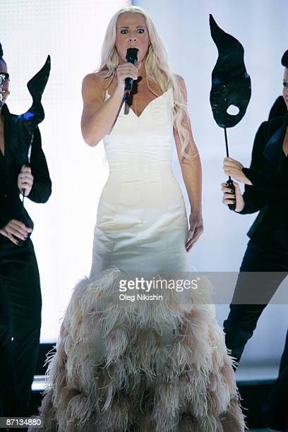 Malena Ernman of Sweden performs during the Eurovision Song Contest 2009 Semi Finals at Olimpiysky Arena on May 12 2009 in Moscow Russia The 2009...