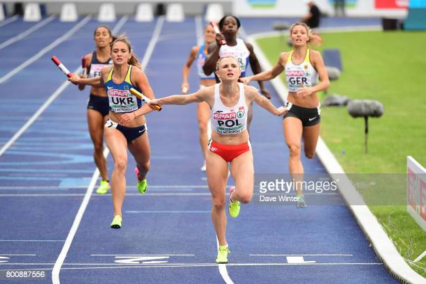 Malgorzata Holub brings the baton home in first place during the European Athletics Team Championships Super League at Grand Stade Lille Metropole on...