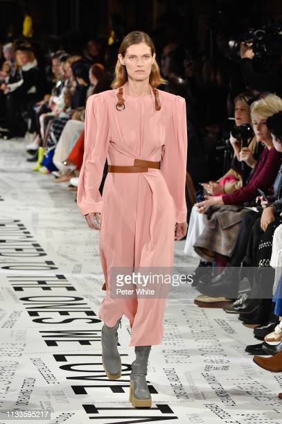 Malgosia Bela walks the runway during the Stella McCartney show as part of the Paris Fashion Week Womenswear Fall/Winter 2019/2020 on March 04, 2019...
