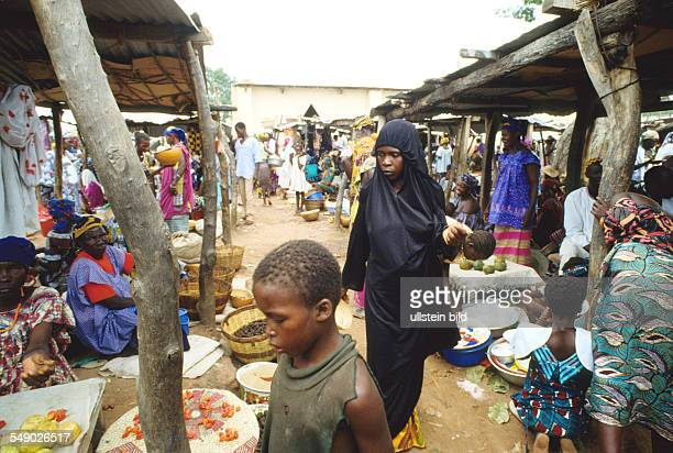 A Wahabitian woman at a market in Dogonland