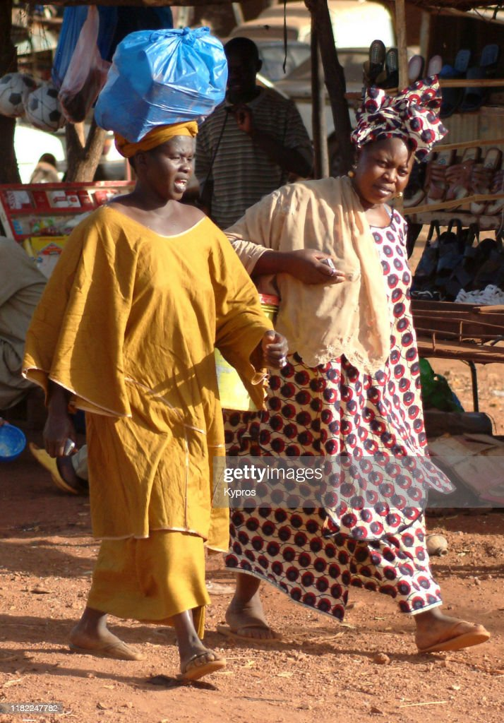 Mali Africa African Woman Carrying Object On Head High Res Stock Photo Getty Images