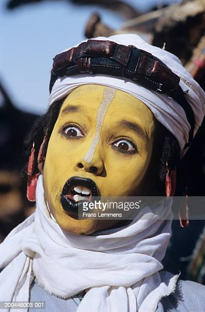 mali, gao region, face paint of the wodaabe tribe - gao region stock pictures, royalty-free photos & images