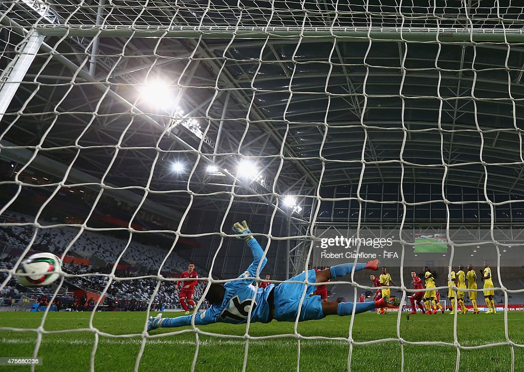 Mali goalkeeper Djigui Diarra is beaten by a shot from Sergej Milinkovic of Serbia during the FIFA U-20 World Cup New Zealand 2015 Group D match between Serbia and Mali at Otago Stadium on June 3, 2015 in Dunedin, New Zealand.