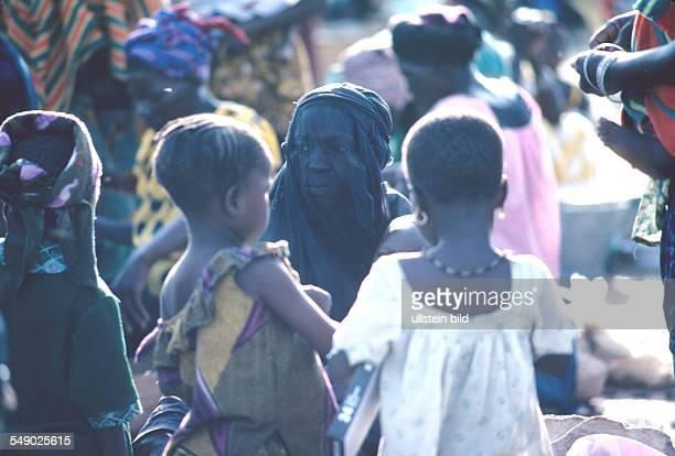 Wahabit women in a market in Dogon country