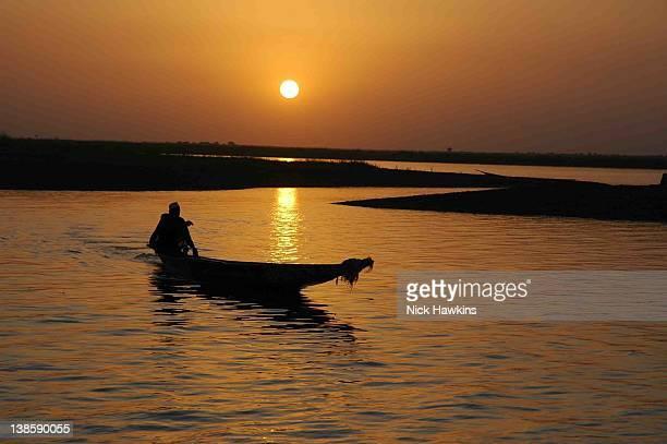 Malian fisherman on river Niger