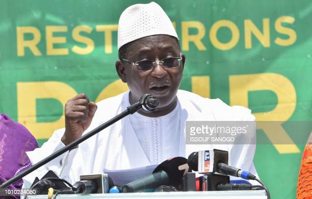 Malian Opposition leader Soumaïla Cisse gestures as he addresses supporters at his party headquarters in Bamako on August 3 a day after the...
