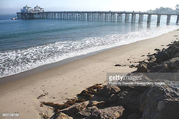 malibu beach fishing pier - malibu beach stock pictures, royalty-free photos & images