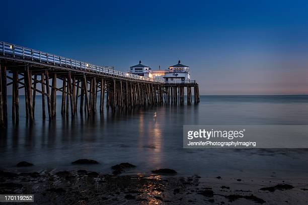 malibu beach sunset - malibu beach stock pictures, royalty-free photos & images