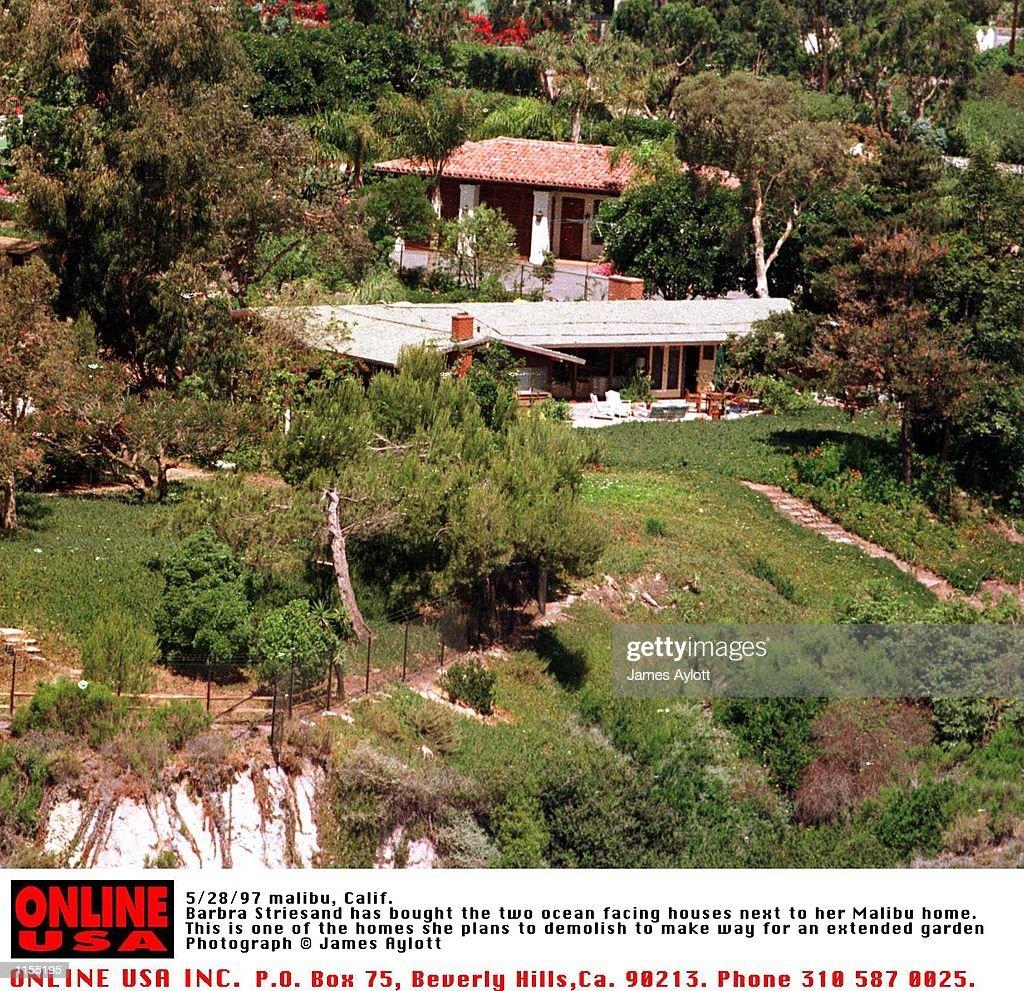 Malibu Calif Barbra Streisand Has Bought Three Ocean Facing Houses News Photo Getty Images,Landscaping Backyard Ideas No Grass