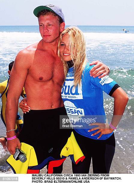 Malibu Circa Pamela Anderson From Tv Series Bay Watch And Ian Ziering From Bevely Hills 90210 Ian Is Giving Pamela Her First Surf Lesson
