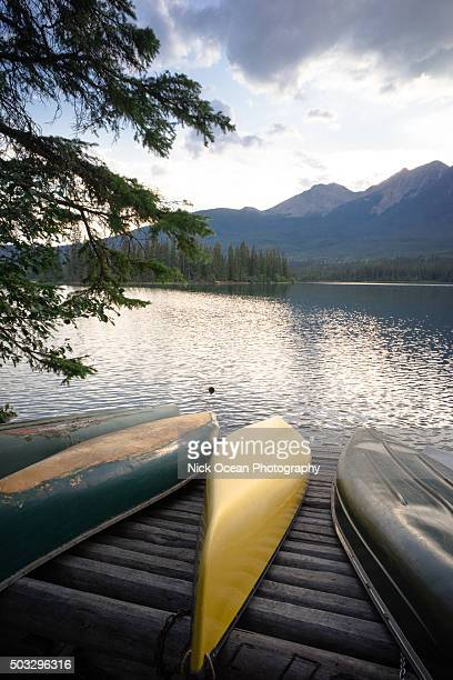 maligned lake, jasper national park, alberta - stoking stock pictures, royalty-free photos & images
